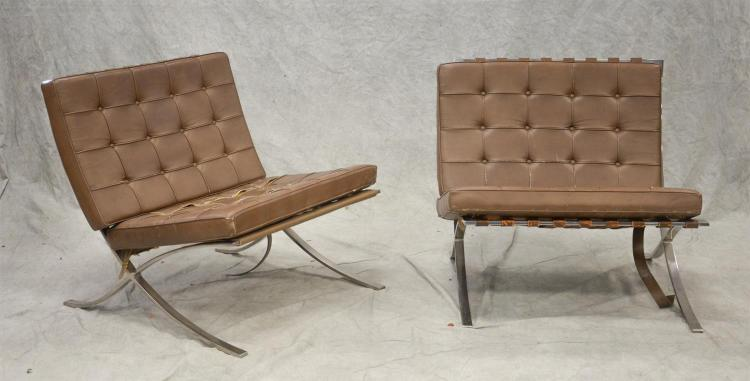 Pr olive leather upholstered Barcelona lounge chairs by Knoll, 30