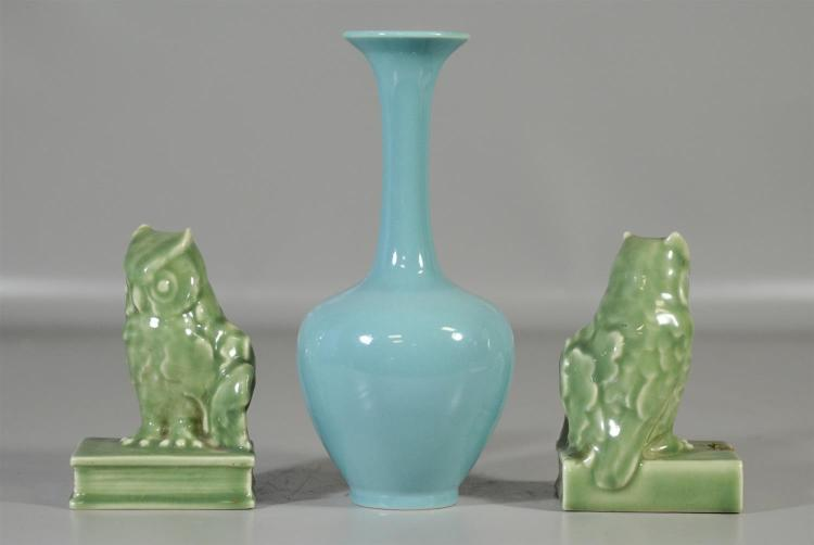 Pr Rookwood standard glaze owl bookends, form 2565, 1944, celadon green, 5 1/2