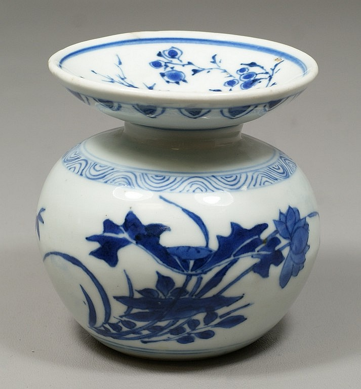 Blue & white Chinese porcelain low vase with narrow neck and wide flanged top, blue floral decoration, probably 18th c or earlier, 4...