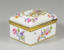 Samson porcelain snuff box, lid painted with bucolic scene, sides with flowers, faux Continental blue mark to base also with Samson ...