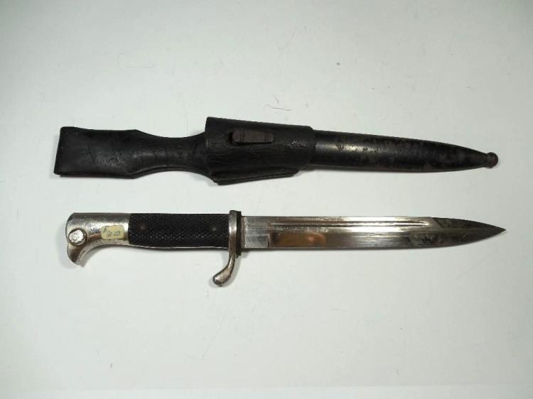 Fine WWII German K98 Bayonet w/Scabbard, Frog