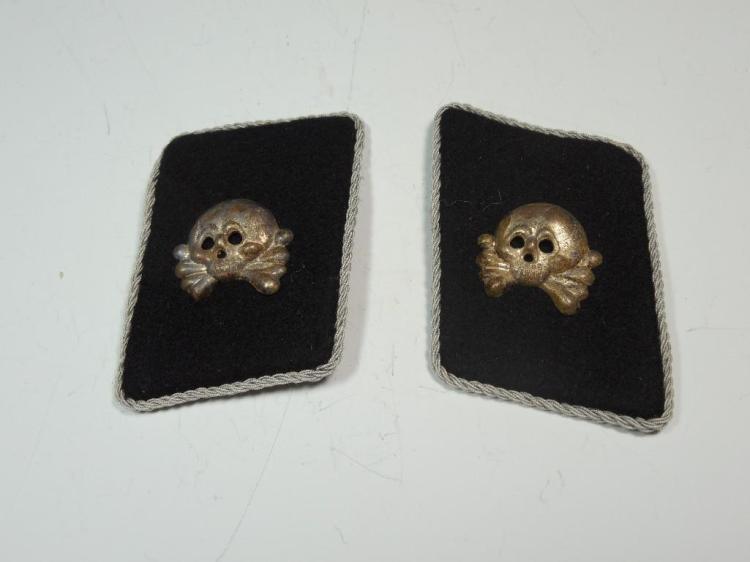 Pair Panzer SS Totenkopf Metal Insignia Collar Tabs