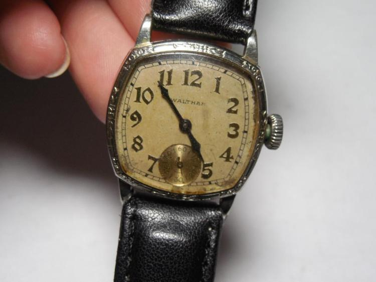 Rare High-End Waltham Sapphire Men's Watch