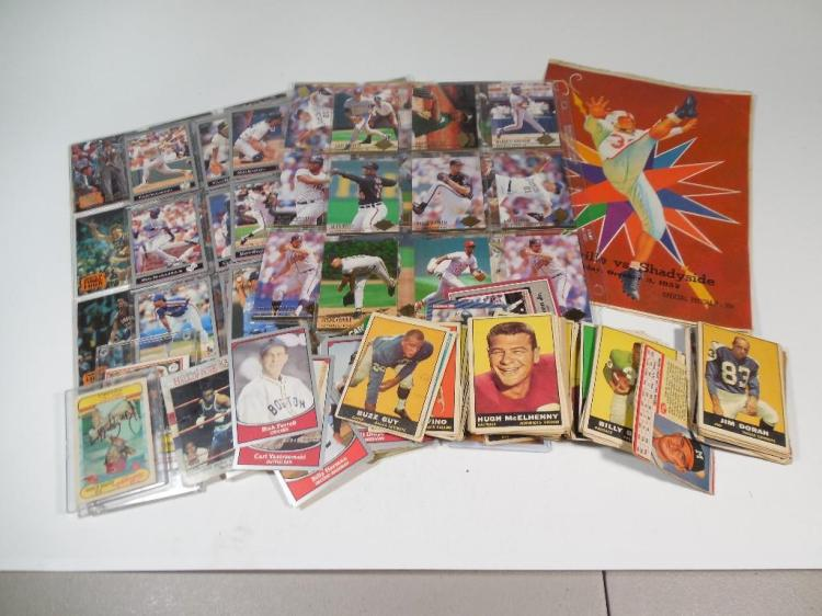 Group Lot of Vintage Baseball Cards, Sports