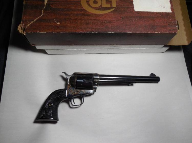 """1976 Colt Single Action Army 45 Cal - 7.5"""" bbl"""
