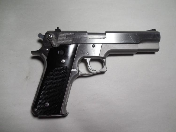 Smith & Wesson Model 645 Semi Auto 45 Auto Pistol