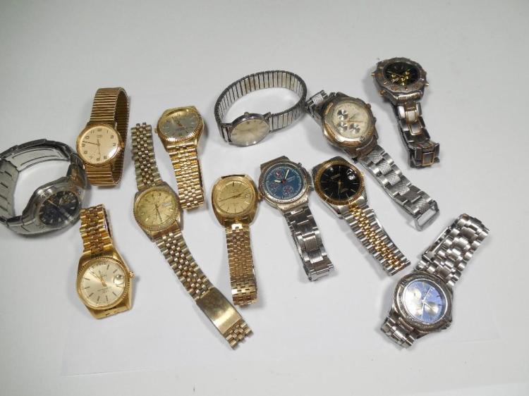 Group Lot of Vintage Watches Bulova Elgin Citizen