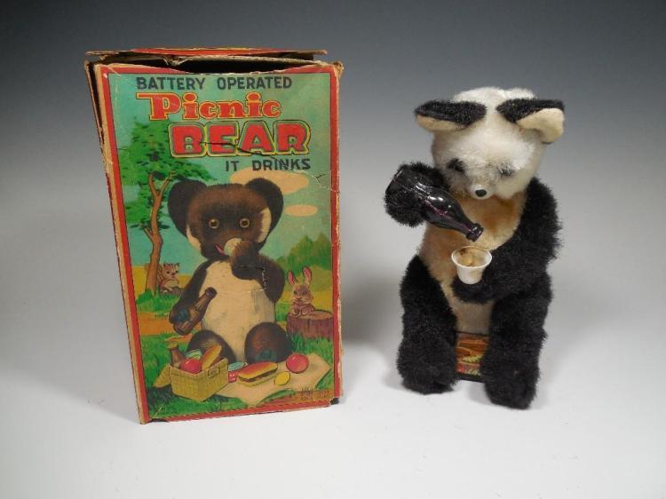 Vintage Battery Op Picnic Bear Toy w/Box