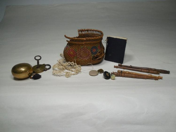 Group Lot Antique Smalls Inc. Tiny Lock, Pill Box