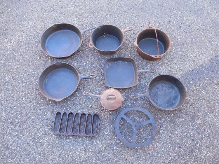 Large Group Lot Antique Cast Iron Skillets Etc