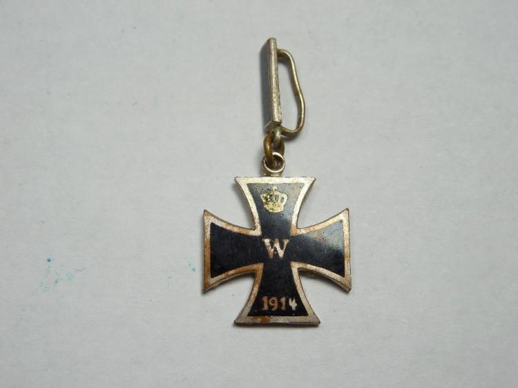 Prussian/German WWI 1914 Enamel Iron Cross Pin