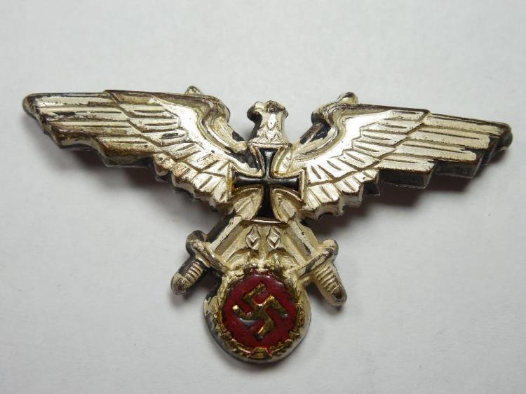 Unusual Nazi German Veteran Pin w/Red and Black