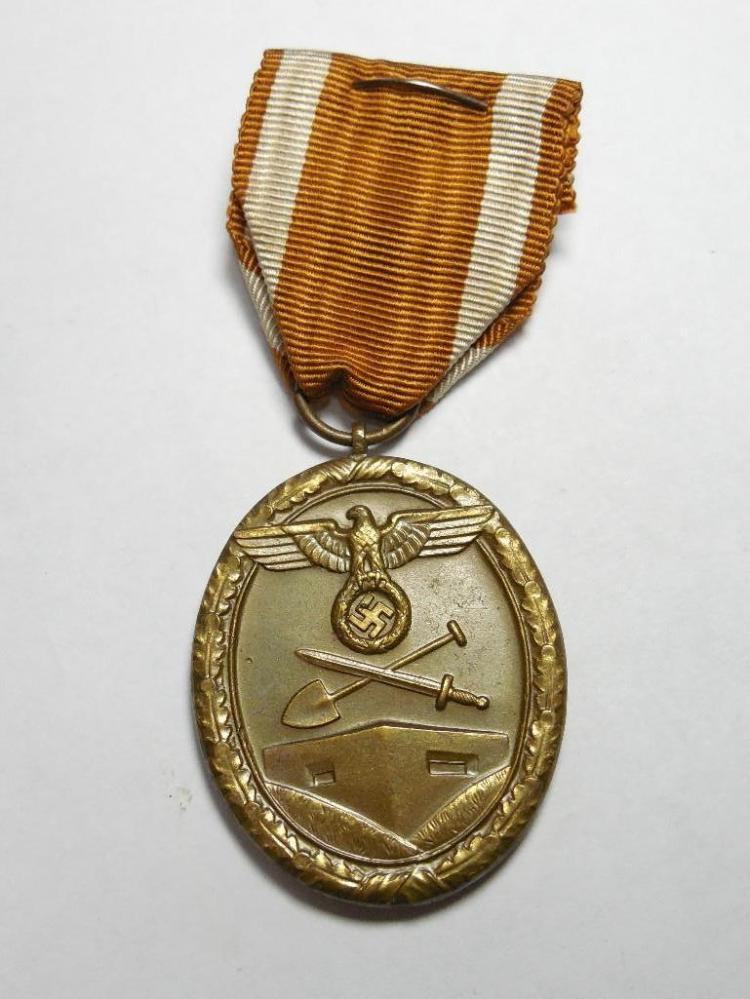 Very Clean Nazi German WWII Western Wall Medal