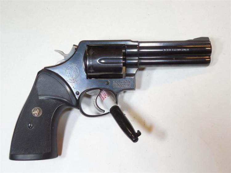 Smith & Wesson 357 Magnum Model 581 Revolver