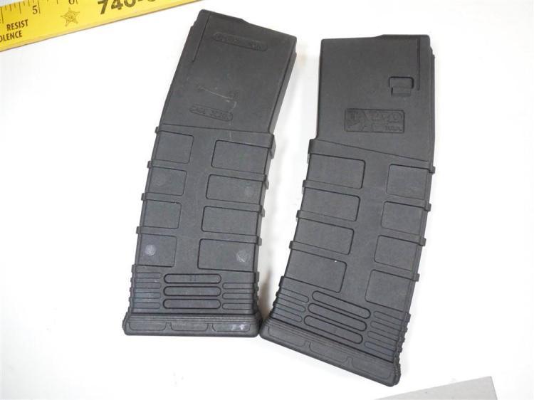 2 Plastic Semi Auto Rifle 5.56 mm Clips Magazines