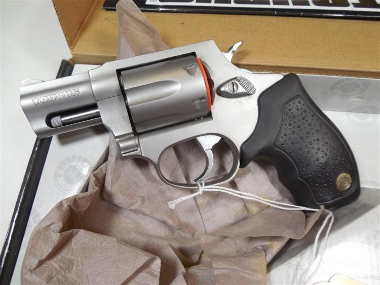Taurus 327 Fed Mag Revolver in Box