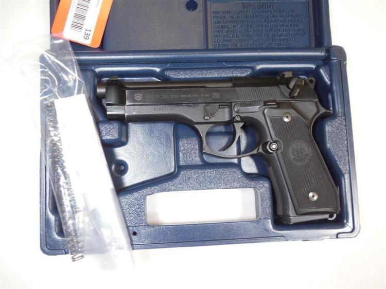 Beretta Model 92FS 9mm Para Pistol in Box