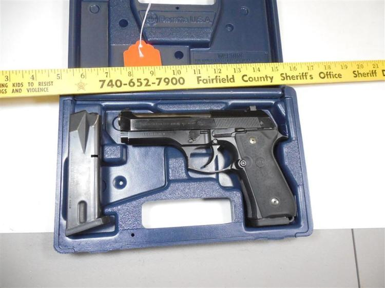 Beretta Mod. 96D 40 Cal Pistol in Case w/Mags