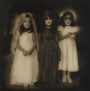 JACK SPENCER (born 1951) Niñas, día de los muertos (Girls, Day of the Dead)