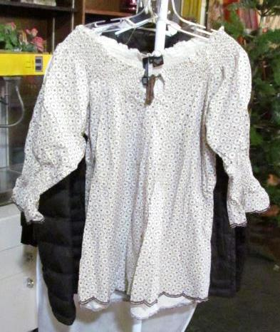 Ru cowgirl xl women 39 s shirt new with tags for Shirt printing stockton ca