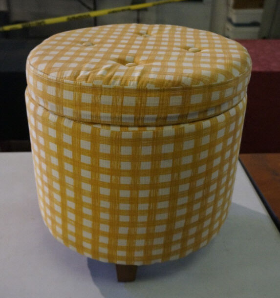 Incredible Yellow And White Round Tufted Storage Ottoman Spiritservingveterans Wood Chair Design Ideas Spiritservingveteransorg