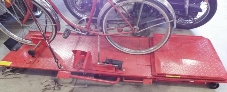 Motorcycle Hydraulic Lift Table - Jack Stand