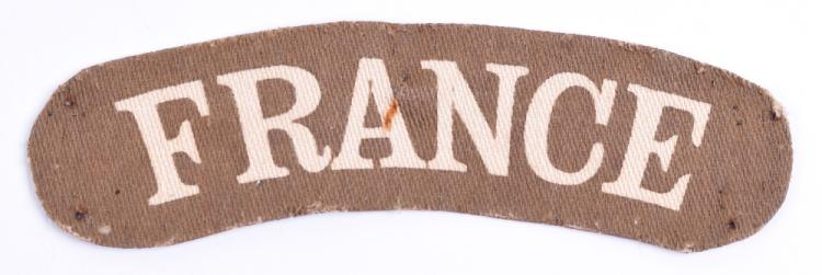 Scarce WW2 Printed FRANCE Nationality Shoulder Title
