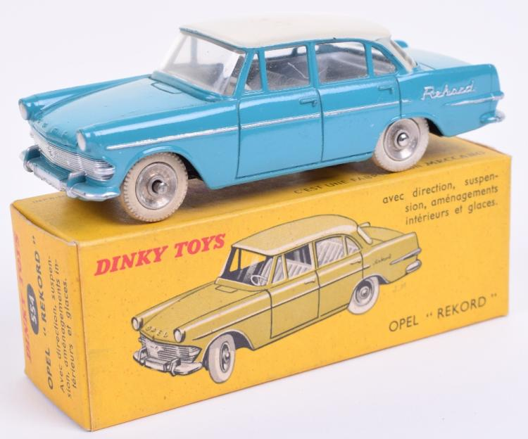 french dinky toys rare turquoise and ivory 554 opel rekord. Black Bedroom Furniture Sets. Home Design Ideas