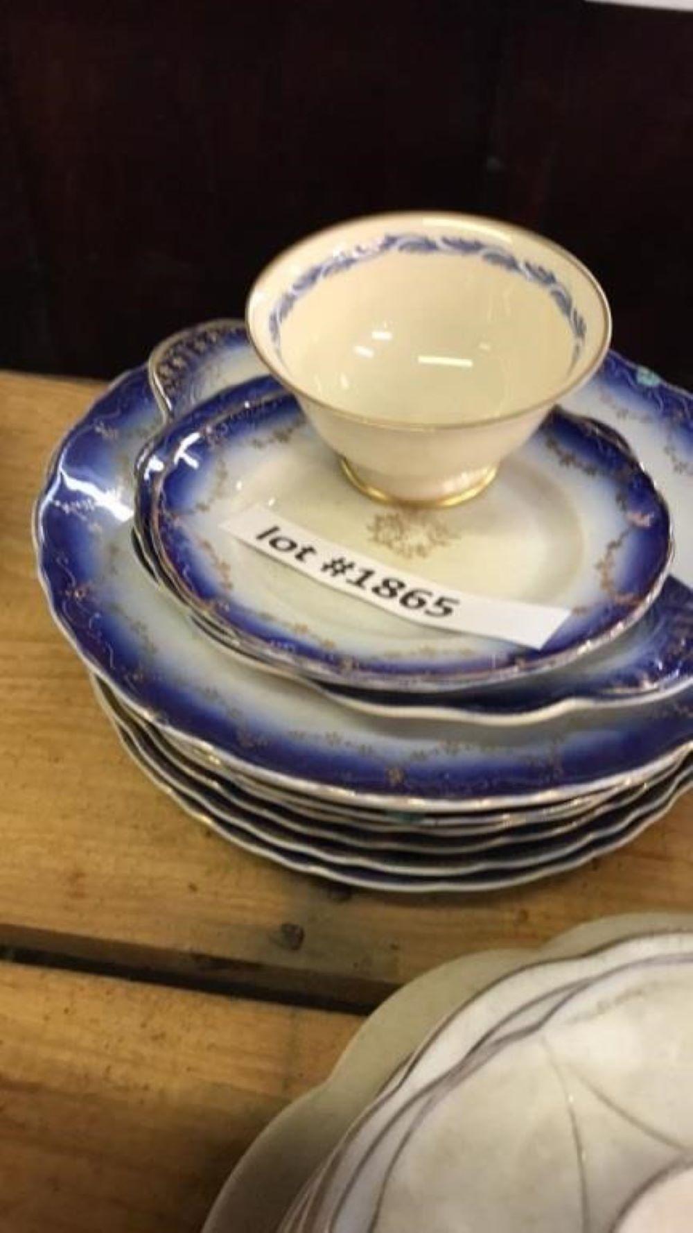 LaFrancaise Porcelain