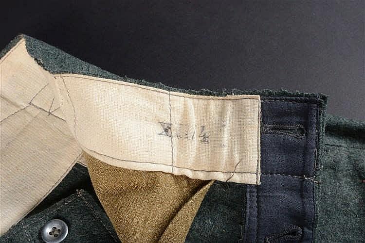 Pantalon culotte de cheval troupe mont e en drap feldgrau r for Bouton cuisse interieur