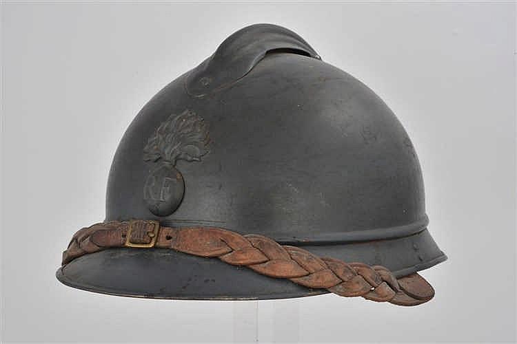 Casque modèle 1915 d'officier d'infanterie avec jugulaire tressée, en très