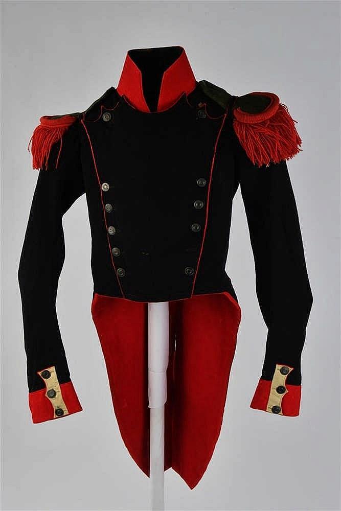 Rare uniforme troupe de Chasseurs de la Garde Nationale. Lors de la Monarch