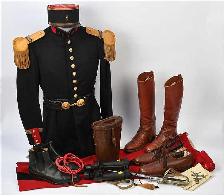 Ensemble de lieutenant du 110e régiment d'infanteriecomprenant: une veste,