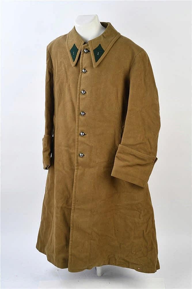 France 1940: Gros manteau d'officier avec insignes de col du 1er Régiment d