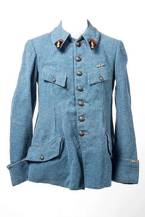 Vareuse d'officier à quatre poches en drap bleu horizon, d'un lieutenant du