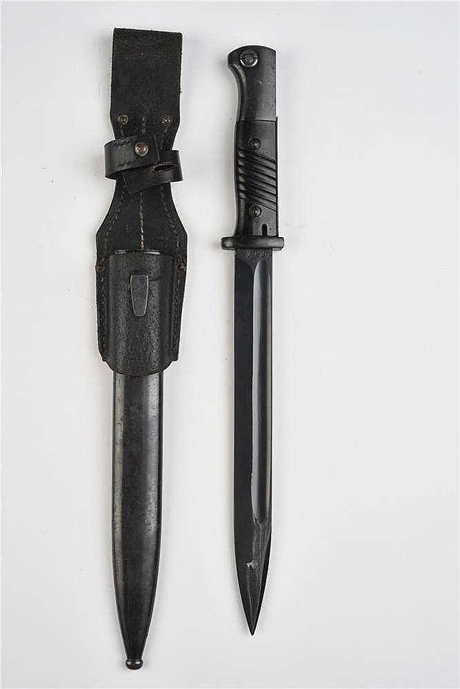 Baïonnette de 98 K. Poignée en bakélite noire  fou