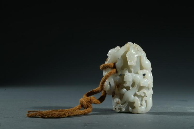 A WHITE JADE CARVED 'DRAGON' JADE SEAL