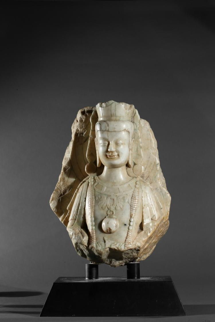 A MARBLE CARVED FRAGMENT OF BODHISATTVA