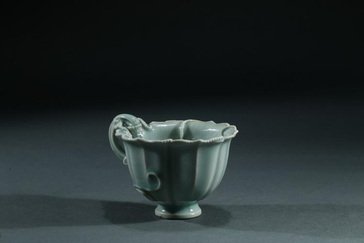 AN YINGQING CELADON 'CHILONG' WINE CUP