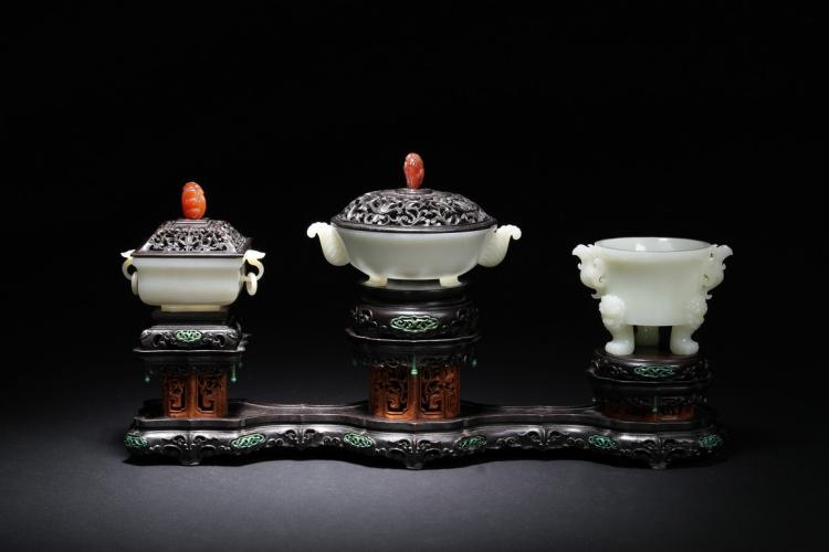A SET OF THERE WHITE JADE CENSERS WITH ZITAN STAND