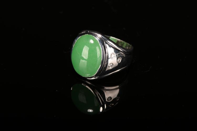 A 18K PLATINUM JADEITE JADE DIAMOND RING