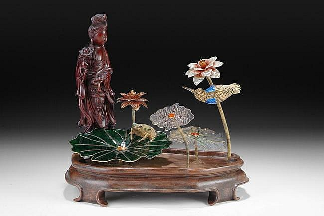 A CLOISONNE AND WOOD CARVED GUANYIN ASSEMBLY