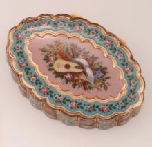 Enamel and gold snuff box
