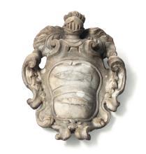 Stemma nobiliare in marmo, arte barocca italiana del XVII secolo,