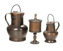 Lotto composto da due mezzine e una pisside in rame, XVIII-XIX secolo,