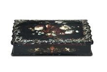 Scatola in legno ebanizzato, dipinto e intarsiato, XIX secolo,