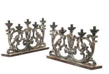 Coppia di porta candele in legno argentato a sei luci, XVIII-XIX secolo,