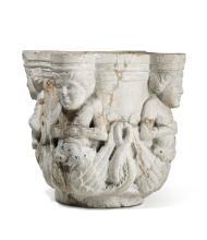 Capitello o mortaio in pietra tenera scolpita con figure fantastiche bicaudate, arte italiana o francese nei modi dello stile romanico, probabile XIX secolo,