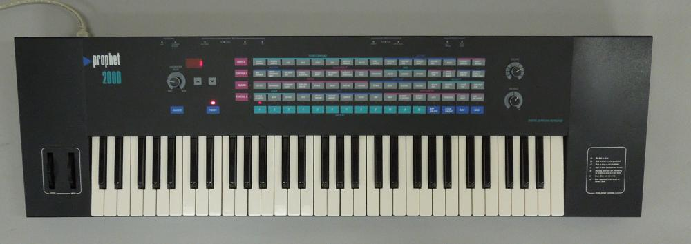SEQUENTIAL CIRCUITS PROPHET 2000 KEYBOARD.