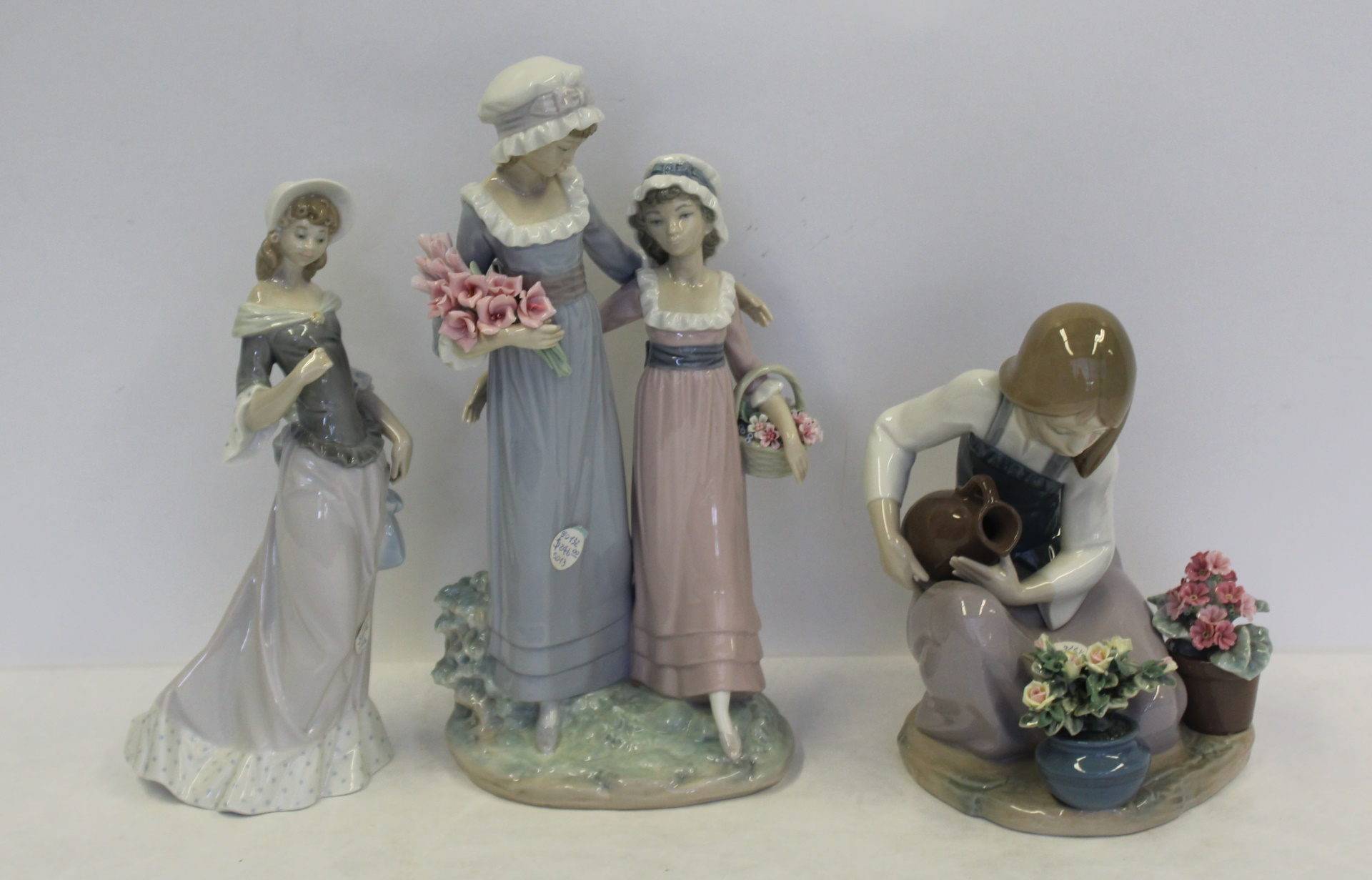 Lladro. Grouping of 7 Porcelain Figurines.